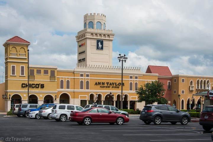 Round Rock Premium Outlets Mall