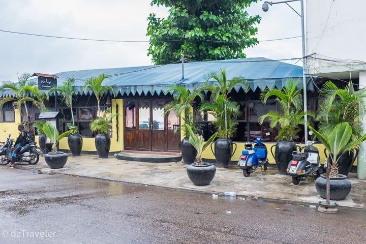 Mercury's Restaurant by the Zanzibar beach